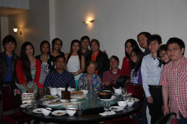with loved ones and family : the families of Tom and Ining Agustin (Ricky's niece), Hope and Eric  Bautista (Ricky's nephew), and of course, Mahal, Ganda, Bunso & me. Others in the party were Tita Nannette (Ricky's sis-in-law) and Panganay (not in pic)