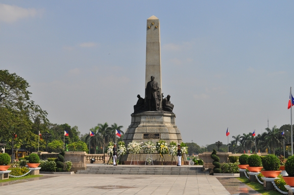 rizal monument rizal monument 2144x1424 wallpaper_wallpaperswa.com_92