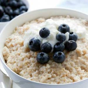 "oatmeal for breakfast : ""pwede bang matulog na lang uli?"" thanks and acknowledgment for the photo to womenshealthmag.com!"