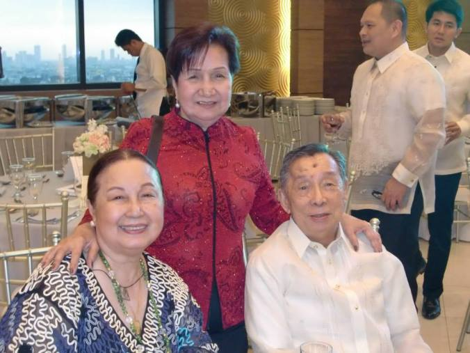 Mom & Dad with one of my fave aunts of all time, Tita Dely Imperial!  Thanks and acknowledgment to the Facebook photo library of Ms Dely Imperial.